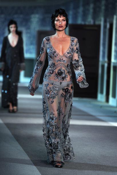 ¿Recuerdan cuando la vimos en una de las pasarelas de Louis Vuitton de m...