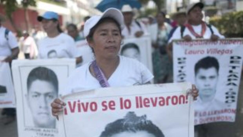 Madres de los 43 estudiantes desaparecidos en México.