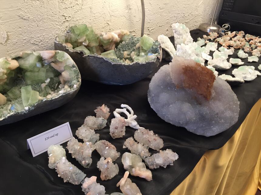 Festival de Gemas, minerales, piedras preciosas y fósiles en Tucson IMG_...