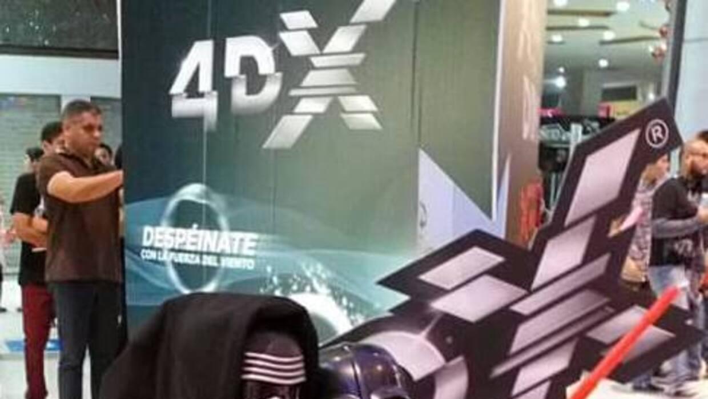 Dos generaciones: Kylo Ren y Darth Vader