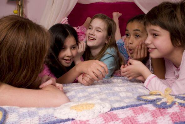A las pijama party no les pasan los años. Pueden inventar todos los vide...