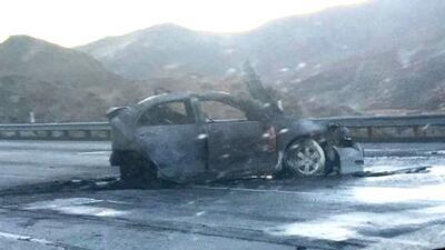 Así quedó el sedán Toyota Corolla 2007 que fue impactado en la autopista...