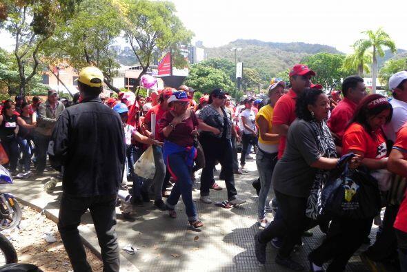 Por segundo día, miles de personas salieron a las calles de Carac...