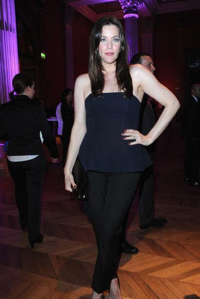 Dedicada al modelaje y a la actuación, esta hermosa mujer hace que cualq...