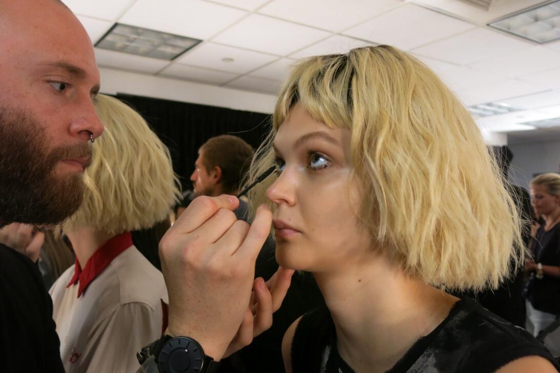 Las pelucas y el maquillaje del desfile de Georgine en NYFW IMG_4242.jpg