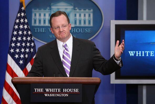 La Casa Blanca no se quedó atrás. El jefe de prensa, Robert Gibbs, tambi...