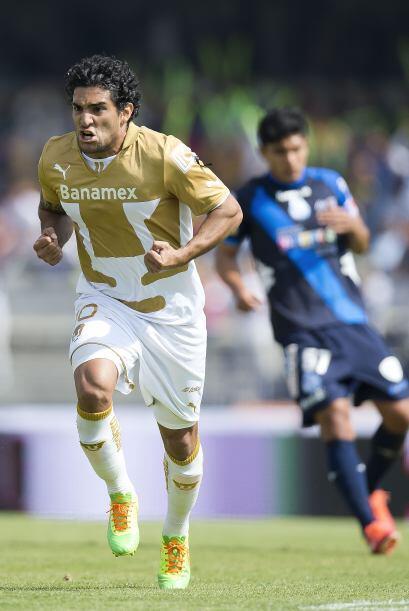 Martín Bravo tuvo una gran tarde al anotar dos goles ante Puebla...