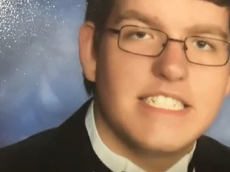 Andrew Henckel, de 19 años de edad, fue acusado de ahogar a un niño auti...