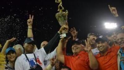 Los Caciques de Orocovis celebran su octavo título nacional en la Coliceba.