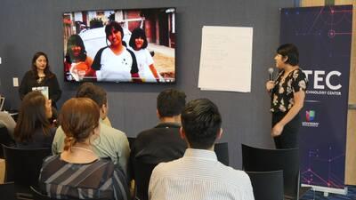 Los talleres tocaron temas como cómo defenderse contra las redadas de in...
