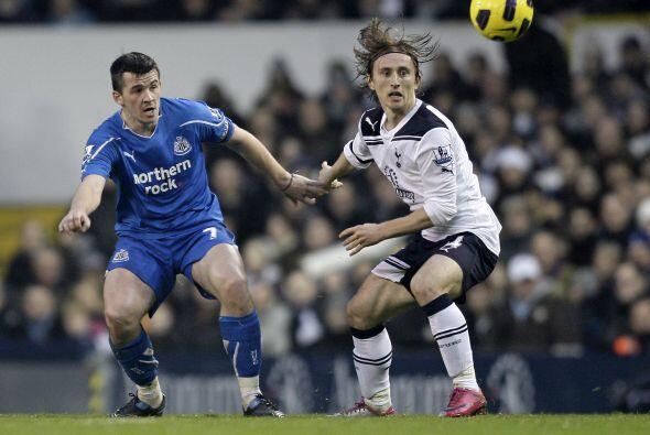 Newcastle poco pudo hacer ante los embates del rival.