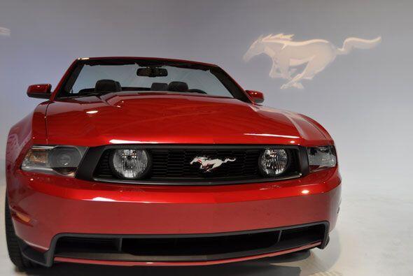 La versión V6 ofrece además de potencia, un consumo de combustible mayor...