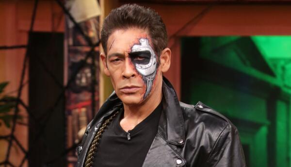 Johnny Lozada como 'Johnnynator'