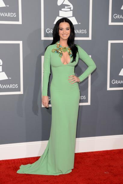 Es difícil enfocar la vista a los ojazos de Katy Perry, cuando de...