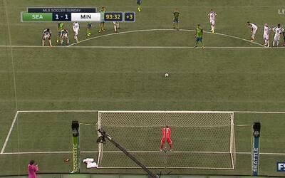 Clint Dempsey rescata tres puntos para Sounders desde el punto penal