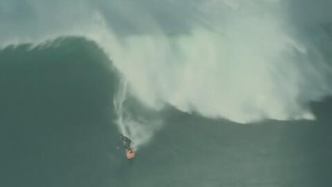 Australiano se convierte en el primer ganador de una competencia de surf...
