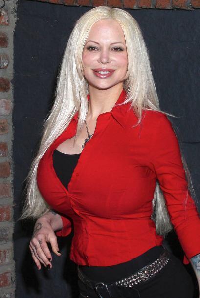 Sabrina Sabrok regresó con nuevo look: menos pecho. Mira aqu&iacu...