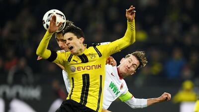Borussia Dortmund dejó ir puntos en casa al empatar con el Augsburg