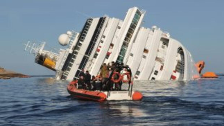 El naufragio del barco, el pasado 13 de enero, causó la muerte de 30 per...
