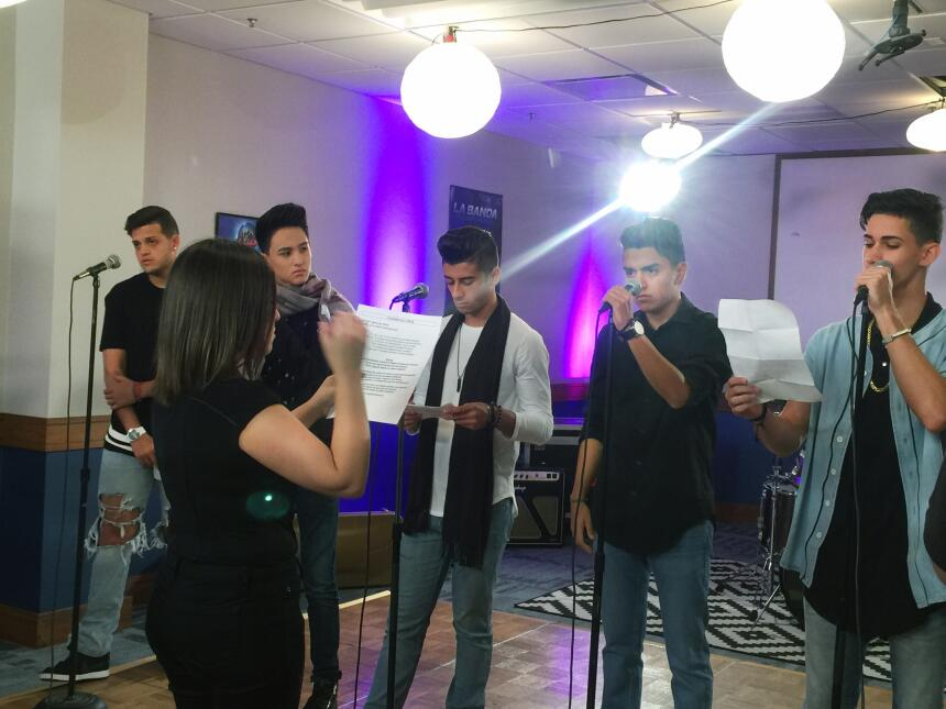 Behind the scenes with the bandas