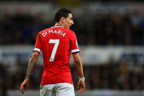 Los jugadores del Manchester United, Radamel Falcao y Ángel di María gan...