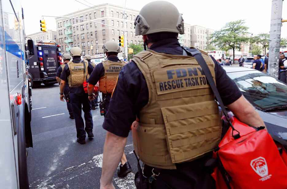 Un portavoz de la policía identificó al presunto atacante como Henry Bel...