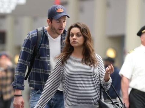 Mila Kunis y Ashton Kutcher regresaron de unos días en New Orlean...