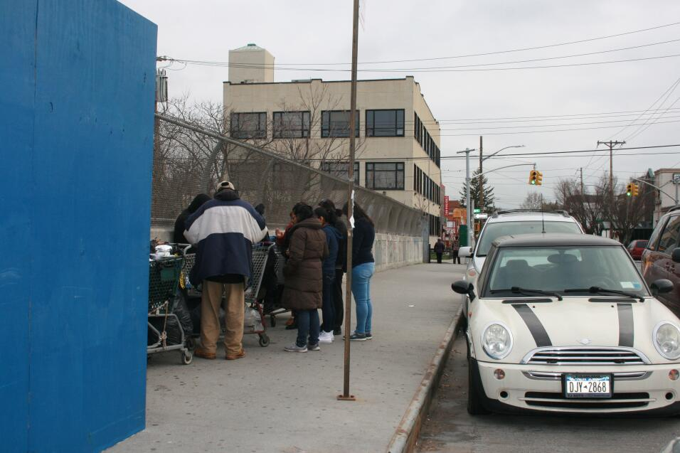 Un grupo de mujeres están sembrando esperanza en las calles de Brooklyn.