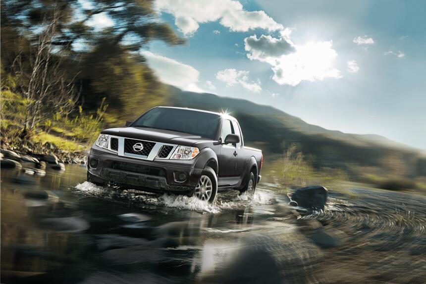La Frontier Crew Cab posee un motor V6 de 4.0 litros de 261 caballos de...