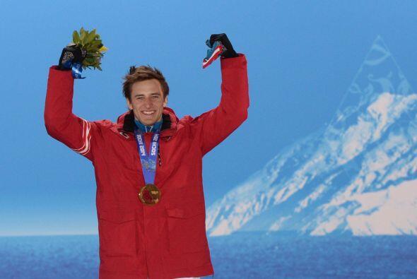 La sorpresa del día, el oro para el austriaco Matthias Mayer en el desce...