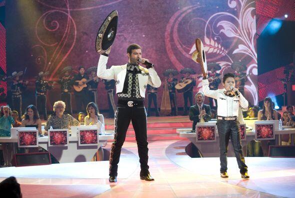 Pero sin duda el dueto de la noche fue el que realizó Pablo Montero con...