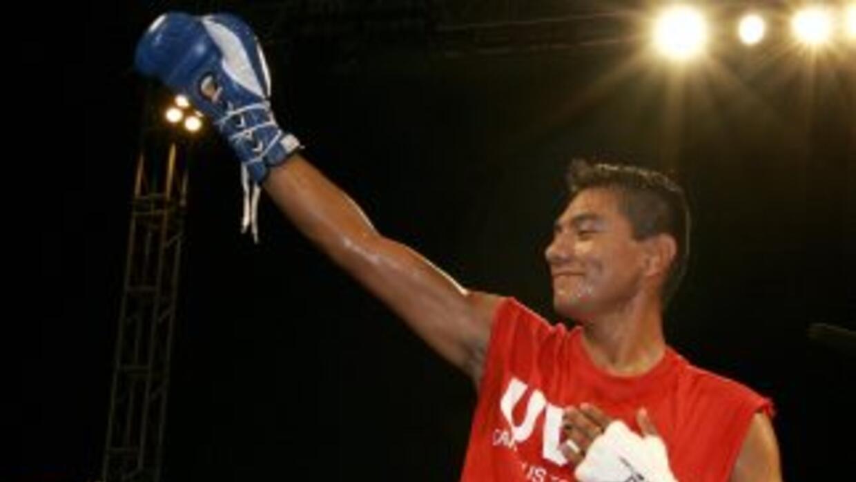 Cristian Mijares quiere oportunidad por el título pluma de Jhonny González.