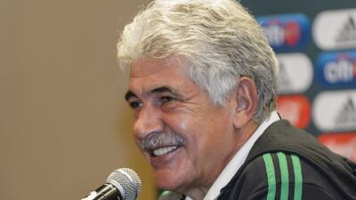 "Tuca lo deja claro de nuevo y riéndose: ""¿Yo al mando de México? jajaja"""