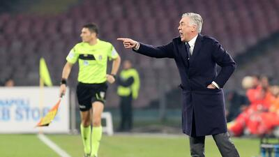 "Carlo Ancelotti reconoció que ""moriría"" por 'Chucky' Lozano"