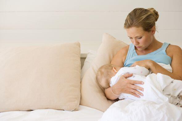 Tu bebé te abrirá las puertas a un nuevo mundo: la lactancia materna. No...