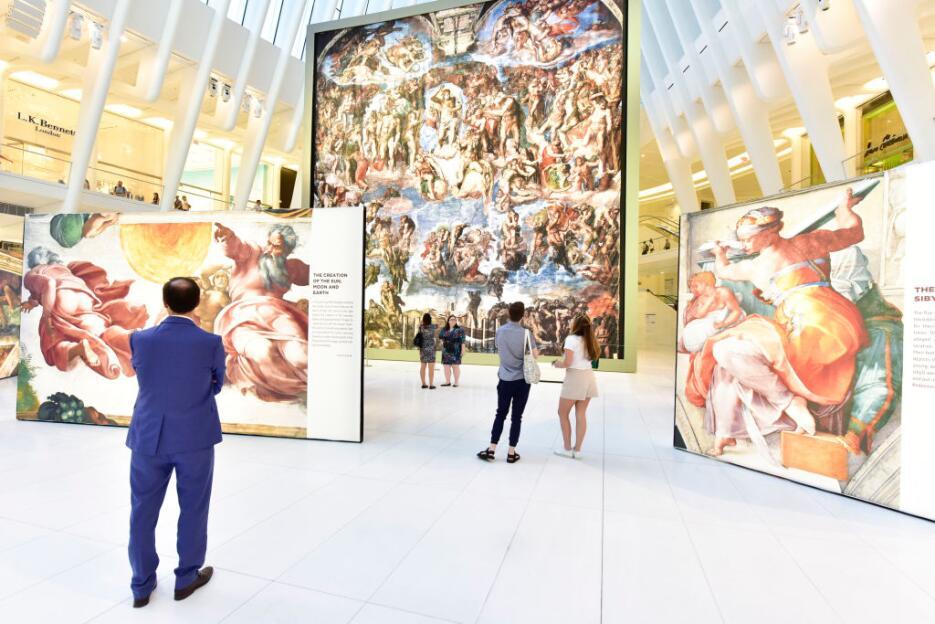 Así luce el Oculus Plaza con reproducciones del artista Miguel Ángel, qu...