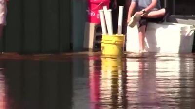 Autoridades de salud advierten sobre la contaminación con aguas negras debido a inundaciones