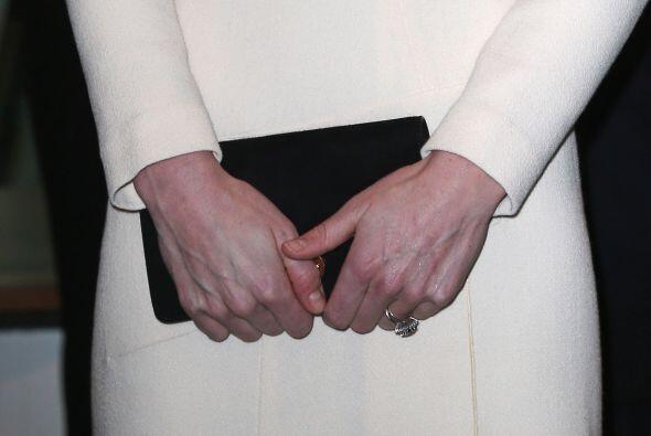 La duquese en esta ocsión utilizó una clutch de Zara.