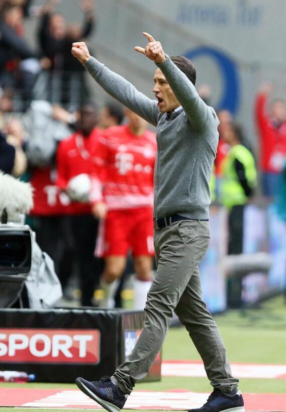 En imágenes: Marco Fabián y su brillante actuación ante Bayern Munich 63...