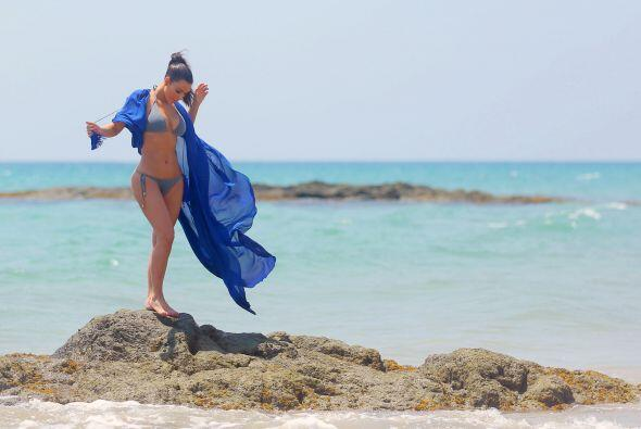 Hoy en día, Kim Kardashian es toda una diosa marina que luce sus curvas...