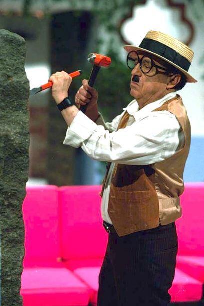 Roberto Gómez Bolaños grabó un total de 1278 episodios entre los que est...
