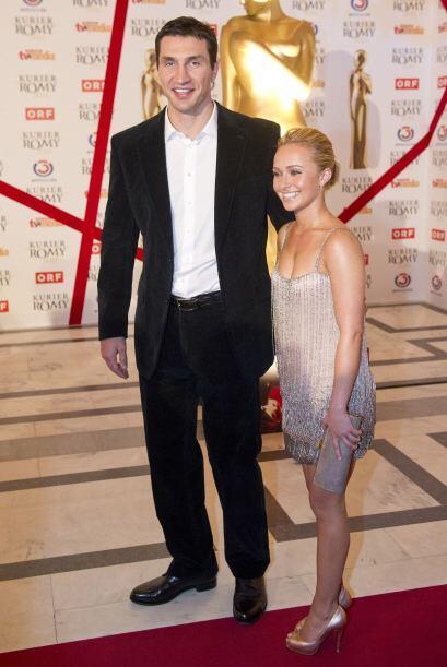 El gigante ucraniano de 77.95 pulgadas (1.98 mts) y 242 libras (110 kg),...