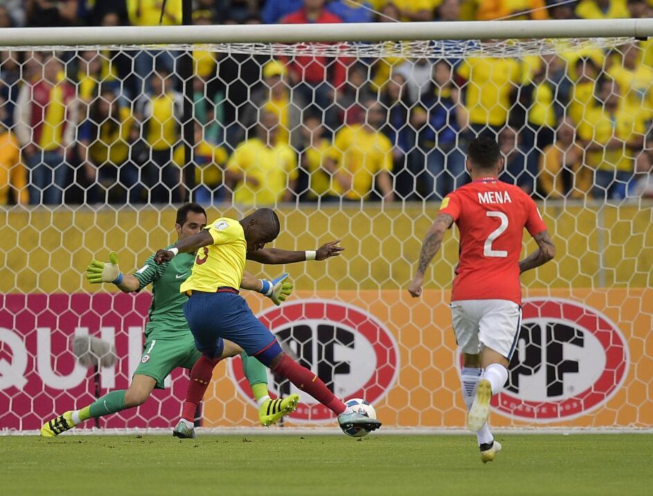 'Loco' Abreu vestirá en Uruguay su camisa 25 GettyImages-612996798.jpg