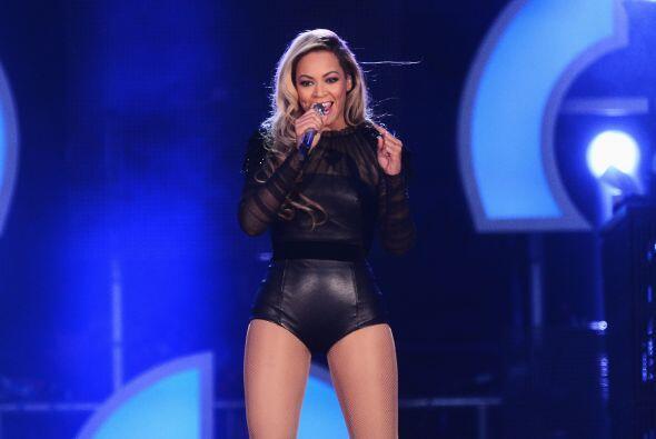 4. Beyoncé Knowles  Ganancias netas: $53 millones.  Presencia en radio y...