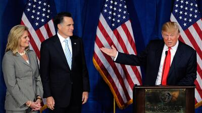 Donald Trump dio su apoyo a Mitt Romney para las elecciones de 2012