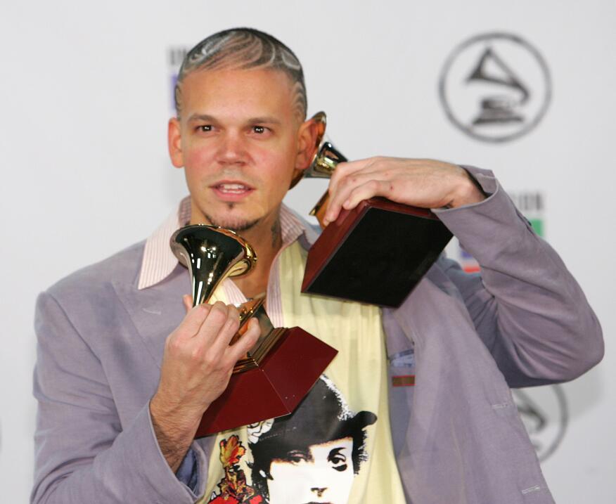Residente —cuando formaba parte de Calle 13— se alzó con el Gramm...