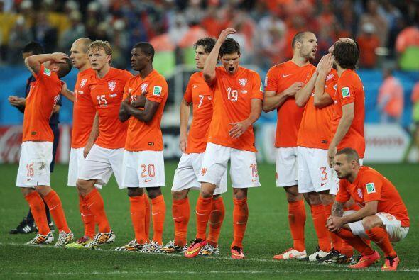 Holanda jugó ante la República Checa con Cillessen; Blind, Martins Indi,...