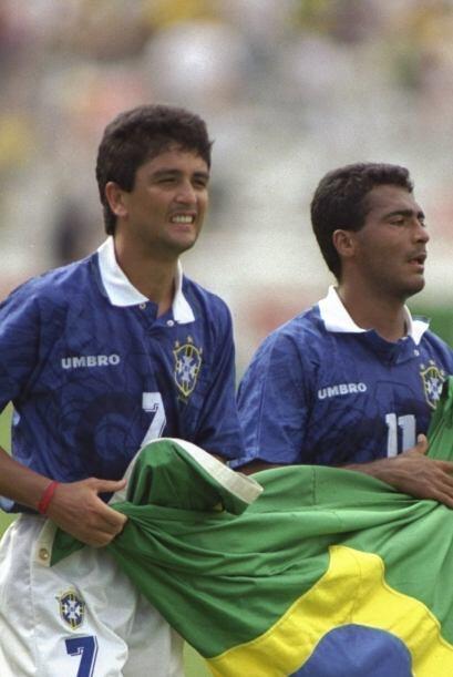 Romario y Bebeto fueron figuras del ataque de la selección brasileña que...