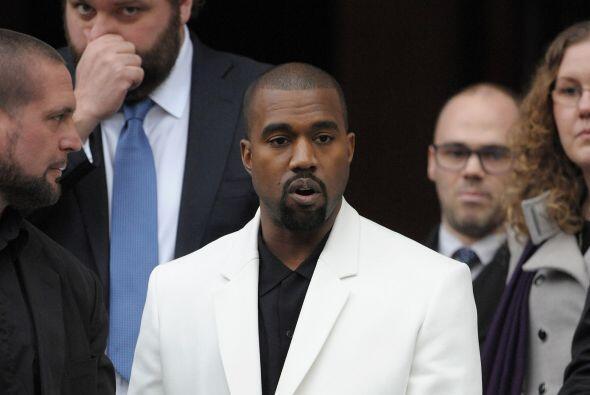 O bueno, mejor dicho fue su esposa Kim Kardashian la que nos quitó la cu...