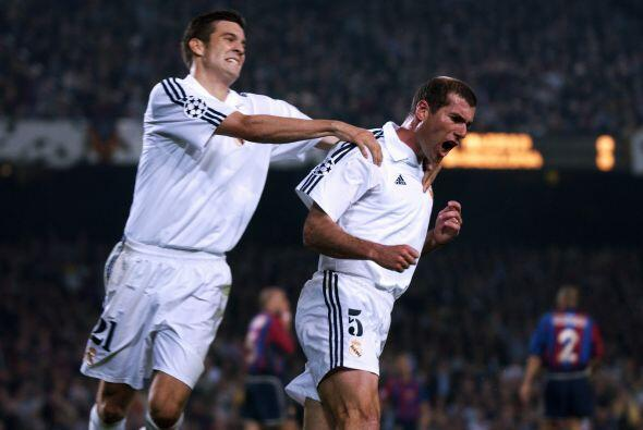Zinedine Zidane canta el gol con el que los 'Merengues' eliminaron al Ba...